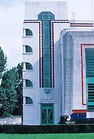 Wallis Gilbert: Hoover Factory, London. Corner windows after Mendelsohn's Einstein Tower. Photo '87.