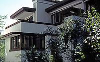 F.L. Wright: Gale House, 1909. 6 Elizabeth Court, Oak Park.  Photo '76.