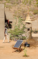 "Afrika Westafrika Mali Bandiagara , PV Anlage in einer Touristenherberge im Dogonland  -  erneuerbare Energie Solar Solarenergie xagndaz | .Africa Mali Bandiagara Dogonland , tourist hostel with  solar home systems - renewable energy solar power  .| [ copyright (c) Joerg Boethling / agenda , Veroeffentlichung nur gegen Honorar und Belegexemplar an / publication only with royalties and copy to:  agenda PG   Rothestr. 66   Germany D-22765 Hamburg   ph. ++49 40 391 907 14   e-mail: boethling@agenda-fototext.de   www.agenda-fototext.de   Bank: Hamburger Sparkasse  BLZ 200 505 50  Kto. 1281 120 178   IBAN: DE96 2005 0550 1281 1201 78   BIC: ""HASPDEHH"" ,  WEITERE MOTIVE ZU DIESEM THEMA SIND VORHANDEN!! MORE PICTURES ON THIS SUBJECT AVAILABLE!! ] [#0,26,121#]"