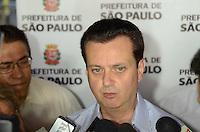 SÃO PAULO, SP, 05 DE JANEIRO DE 2012 -   KASSAB CONTRATAÇÃO DE MORADORES DE ALBERGUE - Prefeito Gilberto Kassab fala da importância da parceria entre a Prefeitura de São Paulo e o Seac - Sindicato das Empresas de Asseio e Conservação do Estado de São Paulo, na contratação de trabalho de diversos moradores de albergue. O evento da manhã desta quinta-feira,05, ocorreu no Espaço de Convivência - Creas POP Bela Vista. FOTO: ALEXANDRE MOREIRA - NEWS FREE.