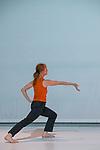 ARTEMISIA<br /> <br /> Chorégraphie : Serge Ambert<br /> Interprétation : Séverine Bennevault-Caton, Émilie Faucheux, Nolwenn Ferry, Nikola Krizkova, Anne Minetti (… et une petite fille)<br /> Lumières : Nicolas Cointot<br /> Vidéo : Amador Artiga<br /> Univers sonore : AltiM<br /> Compagnie : Les Alentours Rêveurs<br /> Date 03/05/2019<br /> Lieu : CCN Bourgogne Franche Comté à Belfort<br /> Ville : Belfort