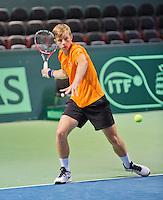Swiss, Genève, September 14, 2015, Tennis,   Davis Cup, Swiss-Netherlands, practise Dutch team, Tallon Griekspoor<br /> Photo: Tennisimages/Henk Koster