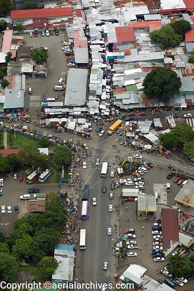aerial photograph of a busy market in Managua, Nicaragua | fotografía aérea de un mercado concurrido en Managua, Nicaragua