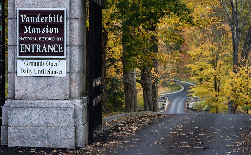 Gate to the Vanderbilt Mansion National Historic Site, Hyde Park, New York, USA