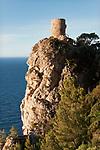 Spanien, Mallorca, bei Banyalbufar: Mirador de Ses Animes im warmen Abendlicht | Spain, Mallorca, near Banyalbufar: Mirador de Ses Animes at last sunlight