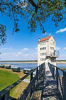 Turmcafé im einstigen Verladeturm im Kulturhafen Groß Neuendorf, Gemeinde Letschin, Oder-Neiße-Radweg, Oderbruch, Märkisch Oderland, Brandenburg, Deutschland