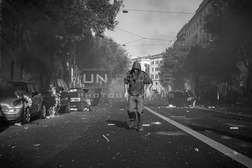 A rioter seen during the urban guerilla. Rome, Italy. 15/10/2011