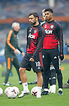 Bruno Fernandes of Manchester United and Marcus Rashford of Manchester United practice before the match