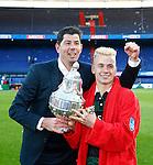 Nederland, Rotterdam, 3 mei 2015<br /> KNVB Bekerfinale<br /> Seizoen 2014-2015<br /> PEC Zwolle-FC Groningen<br /> Erwin van de Looi, trainer-coach van FC Groningen poseert samen met Albert Rusnak van FC Groningen met de KNVB Beker