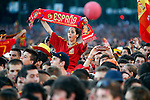 02.07.2012.Supporters at Tour of Madrid of the Spanish football team to celebrate their victory in Euro 2012 july 2012.(ALTERPHOTOS/ARNEDO)