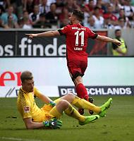 22.04.2018, Commerzbank - Arena, Frankfurt, GER, 1.FBL, Eintracht Frankfurt vs Hertha BSC , <br />Mathew Leckie (Berlin) celebration ueber das goal  2:0 *** Local Caption *** © pixathlon<br /> Contact: +49-40-22 63 02 60 , info@pixathlon.de