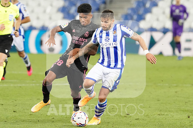 Real Sociedad's Cristian Portu (r) and Real Madrid's Marvin Park during La Liga match. September 20, 2020. (ALTERPHOTOS/Acero)