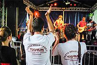 Segrate (Milano). Pubblico al live dei The Hacienda al MIAMI festival 2009. Festa dello sport, Vicsam macchine per ufficio Veduggio --- Segrate (Milan). Audience at live act of The Hacienda at MIAMI festival 2009