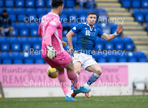 St Johnstone v Hibs …06.03.21   McDiarmid Park   SPFL<br />Michael O'Halloran chrges down Ofir Marciano<br />Picture by Graeme Hart.<br />Copyright Perthshire Picture Agency<br />Tel: 01738 623350  Mobile: 07990 594431