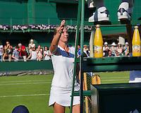 England, London, June 29, 2015, Tennis, Wimbledon, Richel Hogenkamp (NED) thanking the umpire.<br /> Photo: Tennisimages/Henk Koster