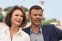"""Jacqueline Bisset, Francois Ozon<br /> """"Amant Double (L'Amant Double')"""" Photocall<br /> Festival de Cannes 2017"""