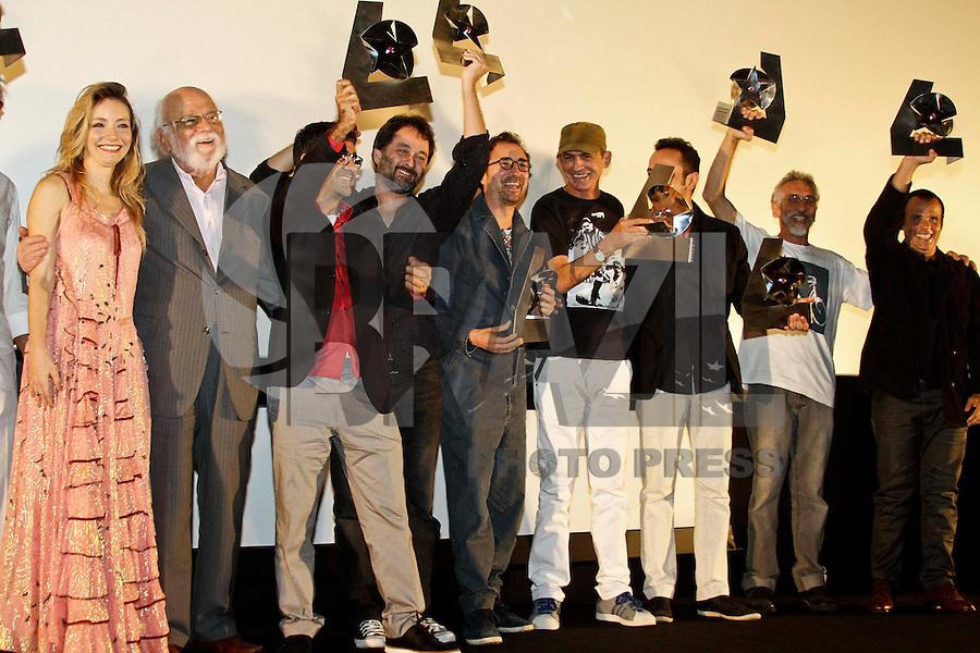 SÃO PAULO, 03 DE ABRIL 2013 - 39º FESTIVAL SESC MELHORES FILMES - Diretores e atores durante premiação no 39º Festival SESC Melhores Filmes, na noite desta quarta-feira(03) no CineSESC, no bairro de Cerqueira César - FOTO: LOLA OLIVEIRA - BRAZIL PHOTO PRESS