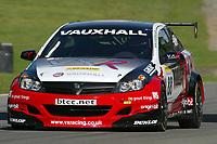 Round 10 of the 2005 British Touring Car Championship. #88. Gavin Smith (IRL). VX Racing. Vauxhall Astra Sport Hatch.