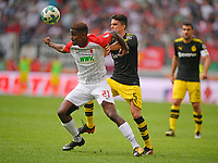 30.09.2017,  Football 1.Liga 2017/2018, 7. match day, FC Augsburg - Borussia Dortmund, in WWK-Arena Augsburg. v.li: Sergio Cordova (FC Augsburg)  -  Marc Bartra (Dortmund). *** Local Caption *** © pixathlon<br /> <br /> +++ NED + SUI out !!! +++<br /> Contact: +49-40-22 63 02 60 , info@pixathlon.de