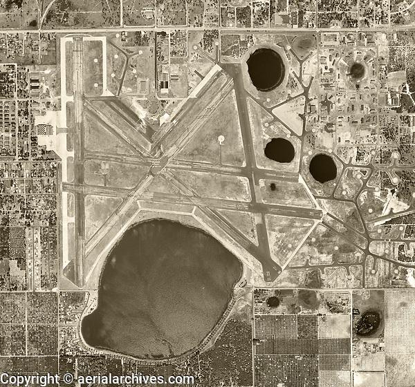 historical aerial photograph Orlando Executive Airport, Florida, 1952