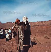 In der Wüste Sinai, Israel 1970er. In the Sinai Desert, Israel 1970s.