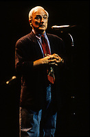 Yvon Deschamps au Festival Juste Pour Rire, Juillet 1994<br /> <br /> <br /> PHOTO D'ARCHIVE : Agence Quebec Presse