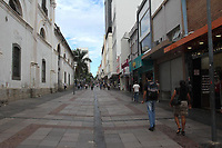 Campinas (SP), 17/03/2020 - Pouca movimentacao de pedestres, veiculos e no comercio da regiao central de Campinas, interior de Sao Paulo, nesta terca-feira (17), devido a restricoes da pandemia do novo Coronavirus (Covid-19). (Foto: Luciano Claudino/Codigo 19/Codigo 19)