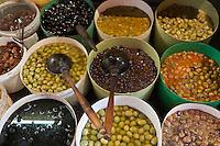 Europe/France/Languedoc-Roussillon/66/Pyrénées-Orientales/Perpignan: Détail  étal d'olives de Epicerie Sala