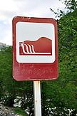 Hinweisschild auf Wasserfälle in der Bergregion Ratscha. / information sign in Ratscha area.
