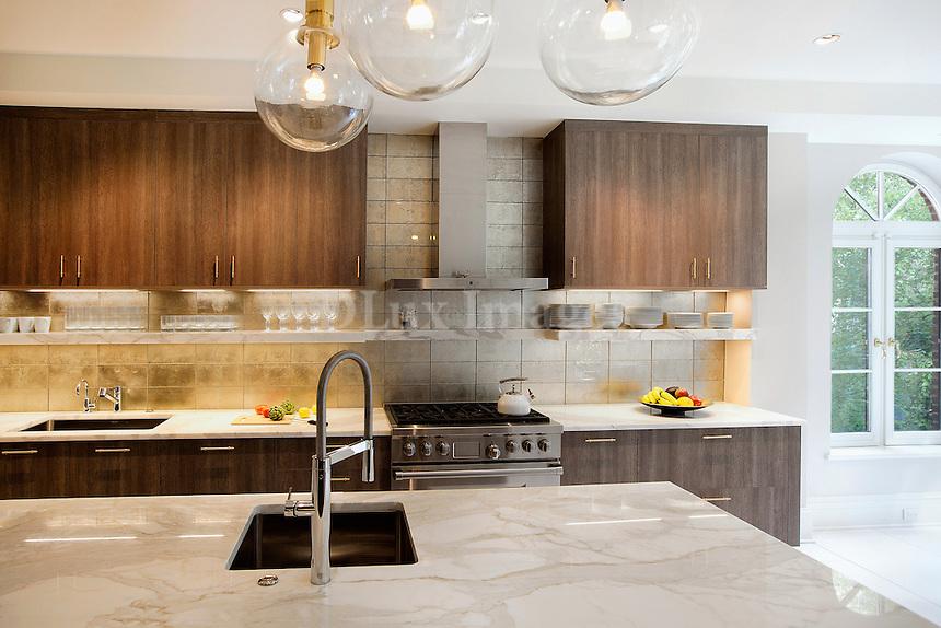Marble worktop on kitchen island