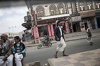 July 05, 2015 - Amran, Yemen: Civilians are seen in the downtown of Amran, a small city under influence of the Houthi movemenet and subjected to heavy bombardments by the Saudi-led coalition. (Photo/Narciso Contreras)