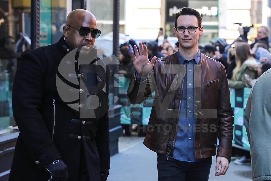 NOVA YORK, EUA, 27.02.2017 - CELEBRIDADES-EUA - O ator Cory Michael Smith é visto na Ilha de Manhattan na cidade de New York nos Estados Unidos nesta terça-feira, 27. (Foto: William Volcov/Brazil Photo Press)