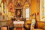 Italien, Suedtirol (Trentino - Alto Adige), Gadertal, oberhalb Wengen: die spaetgotische Barbarakapelle - Innenraum | Italy, South Tyrol (Trentino - Alto Adige), Val Badia, above La Valle: chapel Saint Barbara - interior