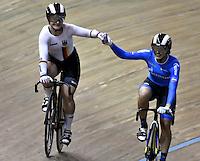 CALI – COLOMBIA – 18-02-2017: Kristina Vogel (Izq.)  de Alemania, gana medalla de oro en la prueba de Velocidad Damas, en el Velodromo Alcides Nieto Patiño, sede de la III Valida de la Copa Mundo UCI de Pista de Cali 2017. / Kristina Vogel (L) from Alemania, win a gold medal in the Women´s Sprint final Race at the Alcides Nieto Patiño Velodrome, home of the III Valid of the World Cup UCI de Cali Track 2017. Photo: VizzorImage / Luis Ramirez / Staff.