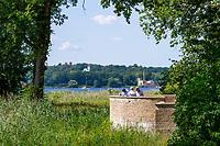 Terrasse im Schlosspark Sacrow, Jungfernsee, Potsdam, Brandenburg, Deutschland