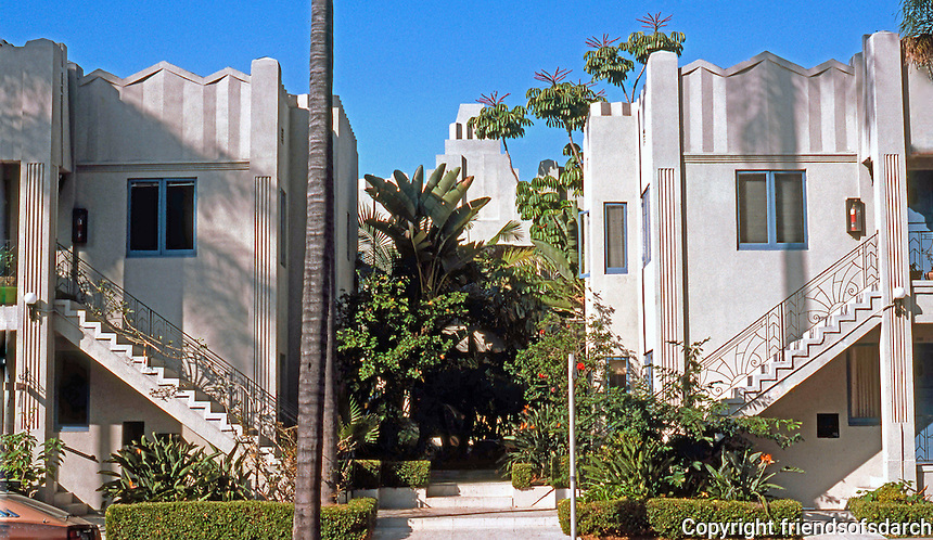 San Diego: Mayan-Zig-Zag Moderne Apartment Building, 6th Avenue. (Photo '85)