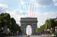 The Patrouille de France jets fly over the Arc de Triomphe ahead of the riders' passing<br /> <br /> Final stage 21 - Chantilly › Paris/Champs Elysées (113km)<br /> 103rd Tour de France 2016