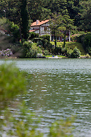 France, Aquitaine, Pyrénées-Atlantiques, Pays Basque, Biarritz: Lac Mouriscot //  France, Pyrenees Atlantiques, Basque Country, Biarritz: Lake of Mouriscot