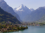 Schweiz, Kanton Uri, Flueelen: Blick ueber Flueelen und den Urnersee auf Bristen (3.072 m)   Switzerland, Canton Uri, Flueelen: view across Flueelen and Urner lake (part of Lake Lucerne) at Bristen mountain (3.072 m)