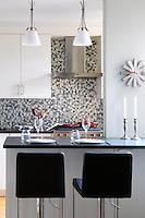 Black worktop in the kitchen