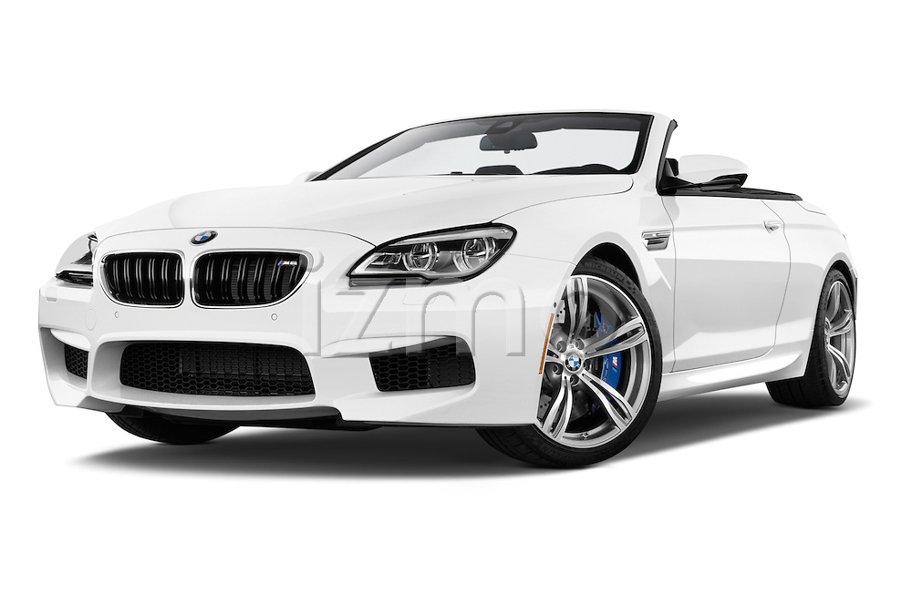 Stock pictures of low aggressive front three quarter view of 2016 BMW M6 Convertible - 2 Door Convertible Low Aggressive