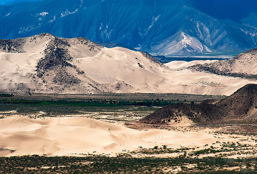 """Dramatic Tibetan Landscapes between Lhasa and Lake Namtso, Tibet, China.<br /> The Tibetan Plateau, the average elevation exceeding 4,500 metres (14,800 ft), the Tibetan Plateau is sometimes called """"the Roof of the World"""" and is the world's highest and largest plateau. China"""