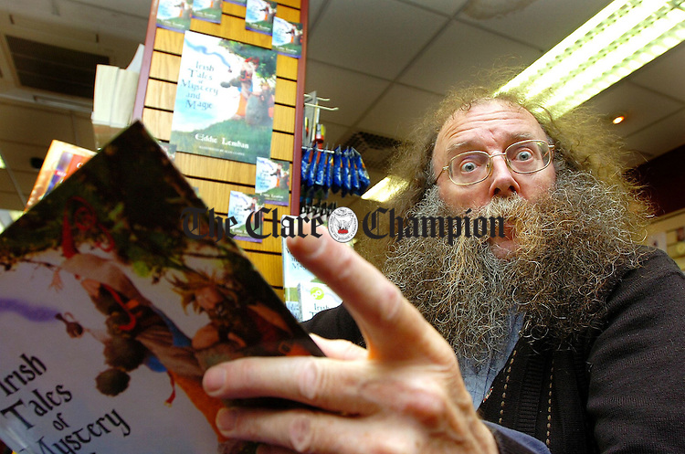 "Eddie Lenihan in Ennis Bookshop to launch his new book "" Irish Tales of Mystery and Magic"".Pic Arthur Ellis."