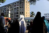 TANZANIA Zanzibar, Stone town, apartment block buildings, constructed in 1970 as East Germany GDR development project / TANSANIA Insel Sansibar, Stonetown, Stadtteil Michenzani mit Plattenbauten, die in den 1970er Jahren mit Hilfe der DDR gebaut wurden