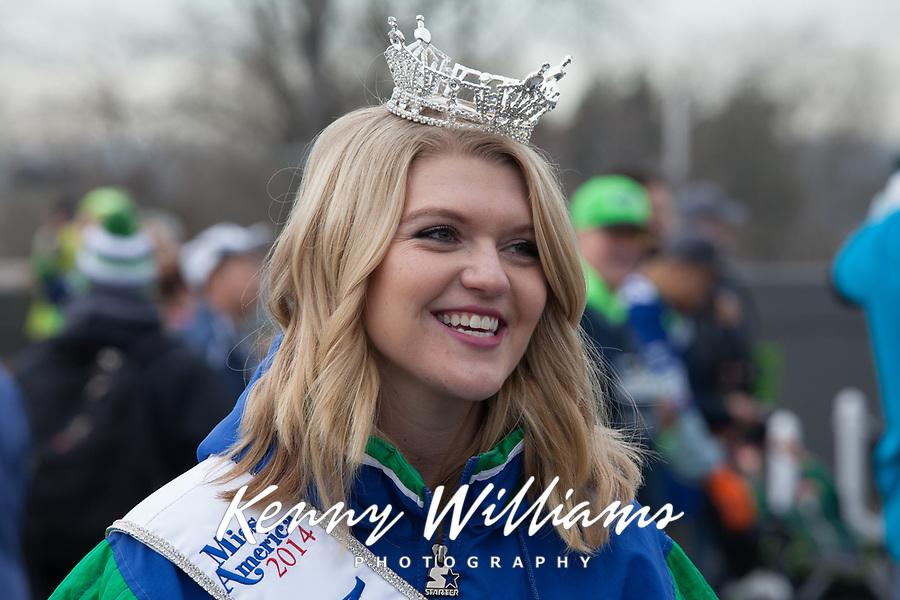 Miss Washington and Seattle Seahawks 12th Man Fans Cheering at Playoff Game Rally, Renton City Hall, Washington State, WA, America, USA.