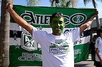 MEDELLIN - COLOMBIA - 27-10-2013: Se realiza el Dia de Hincha Verde,  en el estadio Atanasio Girardot de la ciudad de Medellin, octubre 27 de 2013. Francisco Maturana , el cerebro de la conquista mas grande del futbol verde como es la Copa Libertadores, será el hombre al que se le rendirá  tributo por parte de los aficionados verdes en la octava versión del Dia del Hincha Verde. Foto: VizzorImage / Luis Rios / Str.) It performs Green Day Fan, in the Atanasio Girardot stadium in the city of Medellin, October 27, 2013. Francisco Maturana, the brain of the greatest football conquest green as the Copa Libertadores, will be the man to pay tribute to him by fans built in the eighth version of Green Day's Fan. Photo: VizzorImage / Luis Rios / Str)
