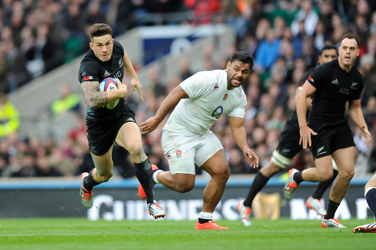 Sonny Bill Williams of New Zealand in action during the QBE International match between England and New Zealand at Twickenham Stadium on Saturday 8th November 2014 (Photo by Rob Munro)