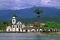 Igreja na cidade de Parati. Rio de Janeiro. 1995. Foto de Juca Martins.
