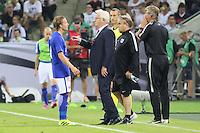 Nationaltrainer Hans Backe (Finnland) mit Alexander Ring (Finnland) - Deutschland vs. Finnland, Borussia Park, Mönchengladbach