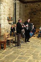 Christian DURO clarinette et Jean  FLOC'H accordeon dans la Chapelle Saint-Gildas a Carnoet